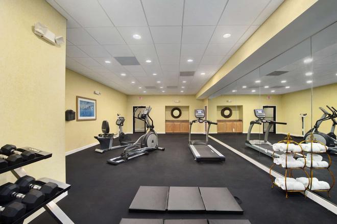 西棕榈滩机场华美达酒店 - 西棕榈滩 - 健身房