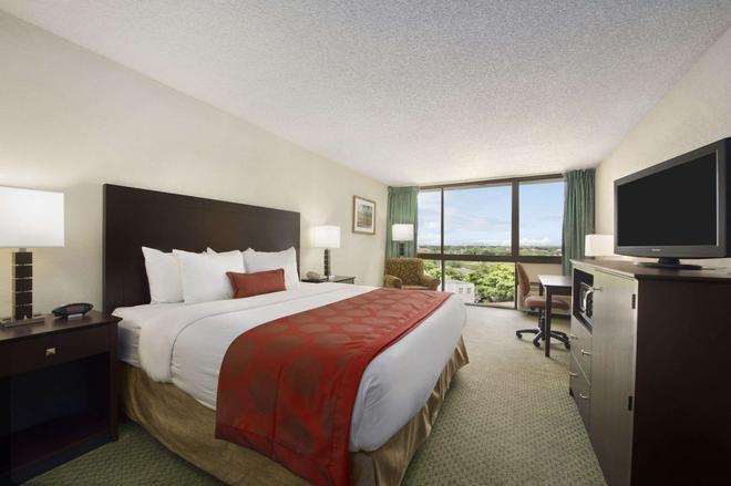 西棕榈滩机场华美达酒店 - 西棕榈滩 - 睡房