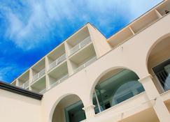 诺蒂科艾本索酒店 - 伊维萨镇 - 建筑