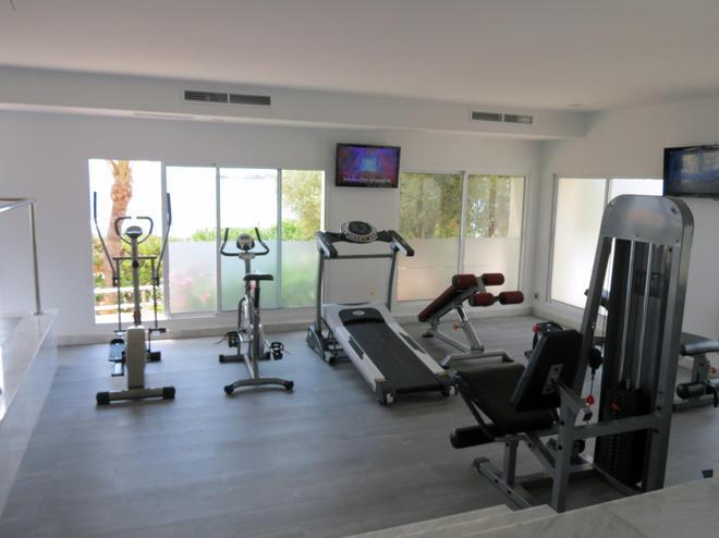 诺蒂科艾本索酒店 - 伊维萨镇 - 健身房