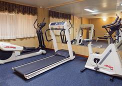 贝斯特韦斯特皇庭酒店 - 皇后区 - 健身房