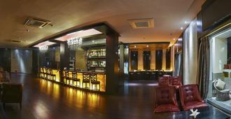 拉瑞亚度假酒店 - 焦特布尔 - 酒吧