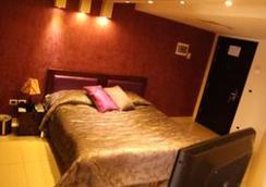 好莱坞酒店 - 朱尼耶 - 睡房
