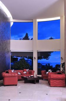 好莱坞酒店 - 朱尼耶 - 酒吧