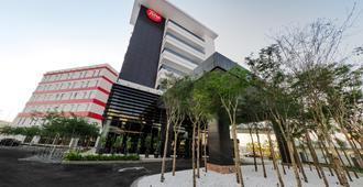吉隆坡国际机场 2 号航厦图恩酒店 - 机场转运酒店 - 雪邦