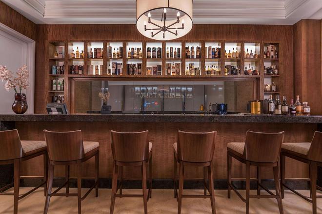 发现普里梅亚酒店 - 马卡蒂 - 酒吧