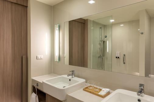 芭堤雅普瑞米尔旅馆 - 芭堤雅 - 浴室
