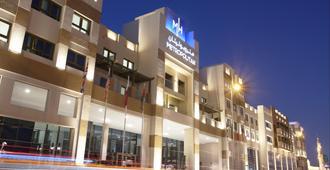 迪拜大都会饭店 - 迪拜 - 建筑