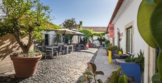 希亚多庭院住宿加早餐旅馆 - 里斯本 - 露台