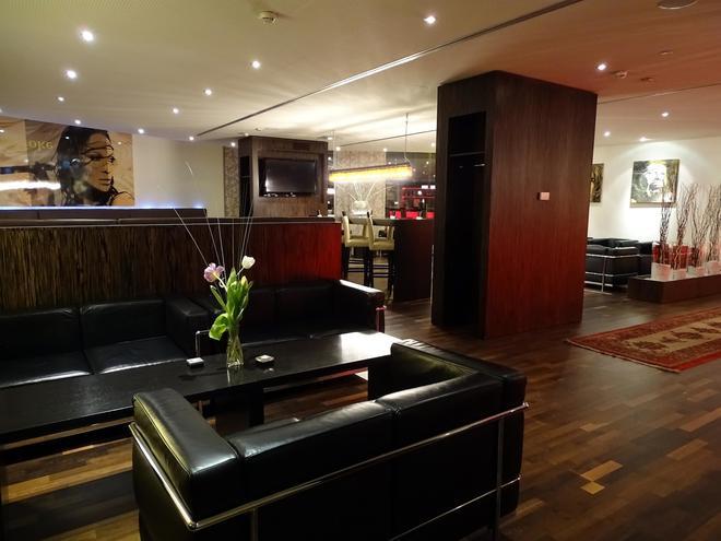 萨尔茨堡阿梅迪亚艺术贝斯特韦斯特Plus酒店 - 萨尔茨堡 - 大厅