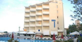 博地卡里酒店 - 佩萨罗 - 建筑
