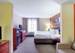 麦迪逊斯利普套房酒店 - 麦迪逊 - 睡房