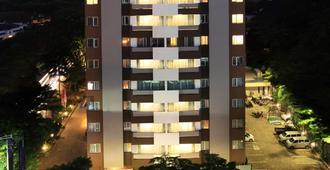 旁多克英达瑞士贝尔酒店国际 - 南雅加达 - 建筑