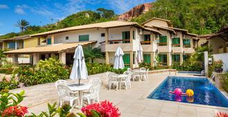 奎塔多索海滩莱特酒店 - 塞古罗港 - 游泳池