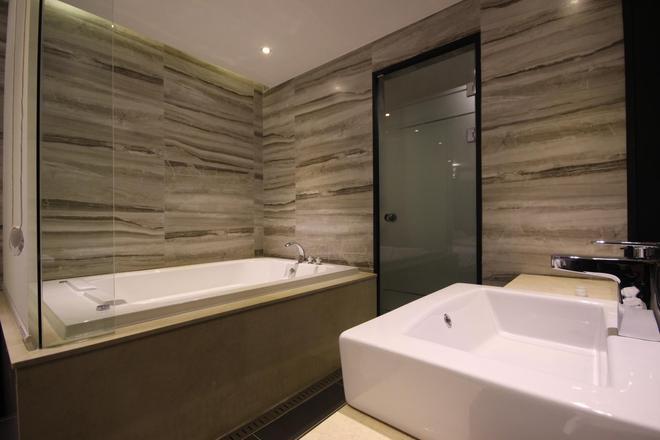 釜山站杏仁酒店 - 釜山 - 浴室
