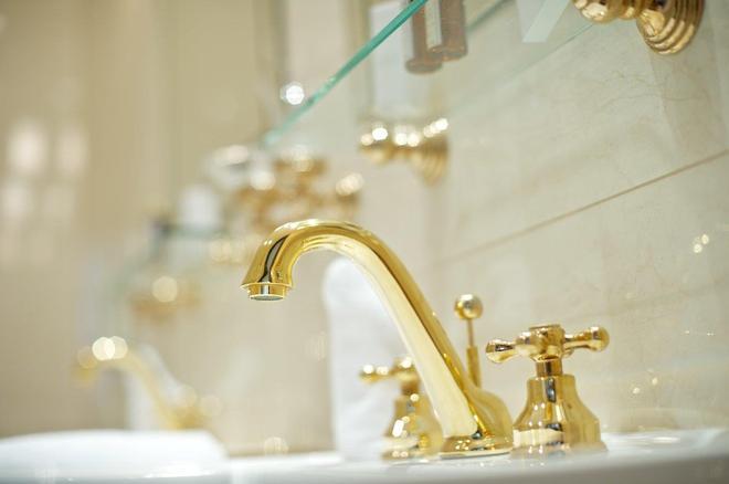 德文酒店 - 布拉迪斯拉发 - 浴室