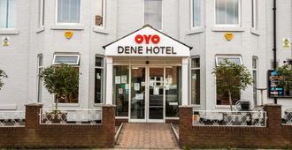 OYO 迪尼酒店 - 泰恩河畔纽卡斯尔