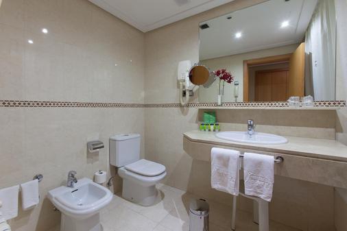西尔肯路易德里昂酒店 - 莱昂 - 浴室