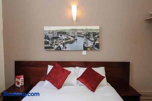 切宁斯酒店 - 格林国王旅馆 - 布里斯托 - 睡房
