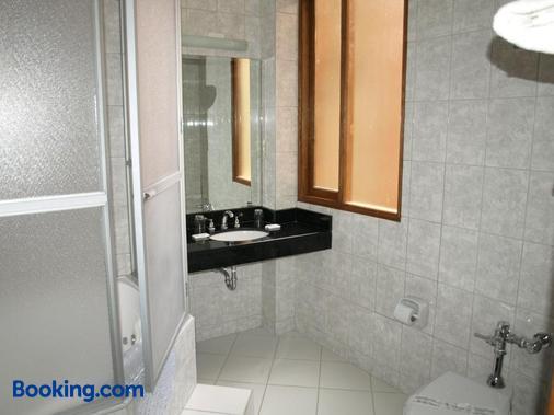 奎尔他尼酒店 - 普诺 - 浴室