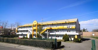 图卢兹西部布拉尼亚克机场高级酒店 - 布拉尼亚克