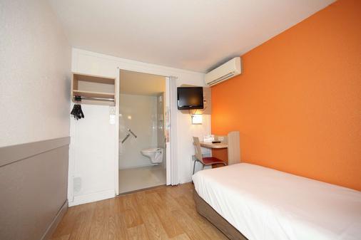 布拉尼亚克机场酒店 - 布拉尼亚克 - 睡房