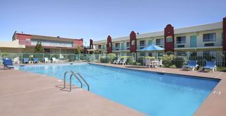 圣达菲戴斯酒店 - 圣达菲 - 游泳池