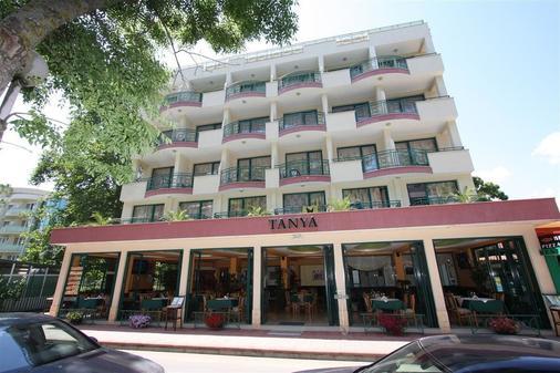 谭雅酒店 - 内塞巴尔 - 建筑