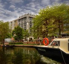 塞纳城市酒店