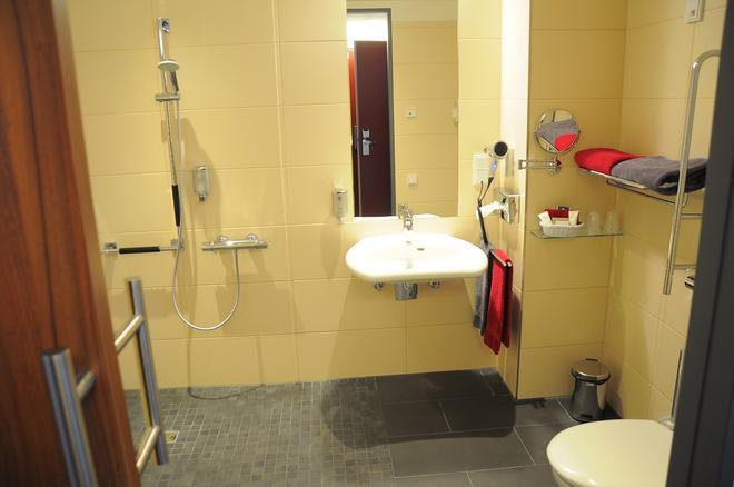 弗朗茨酒店 - 埃森 - 浴室