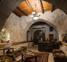 阿伊迪尼尔岩洞酒店