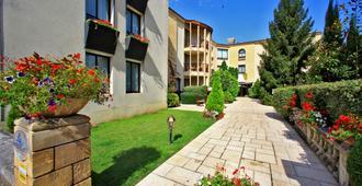 萨尔拉奥格兰德酒店 - 萨尔拉拉卡内达 - 建筑