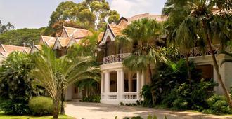 泰姬陵西端酒店 - 班加罗尔 - 建筑