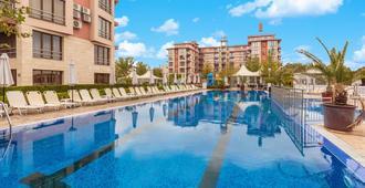 Apart Hotel Tarsis Club - 阳光海滩 - 游泳池