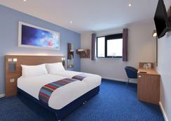 Travelodge Stafford Central - 斯塔福德 - 睡房