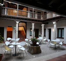 伊万尼亚阿尔卡拉精品酒店