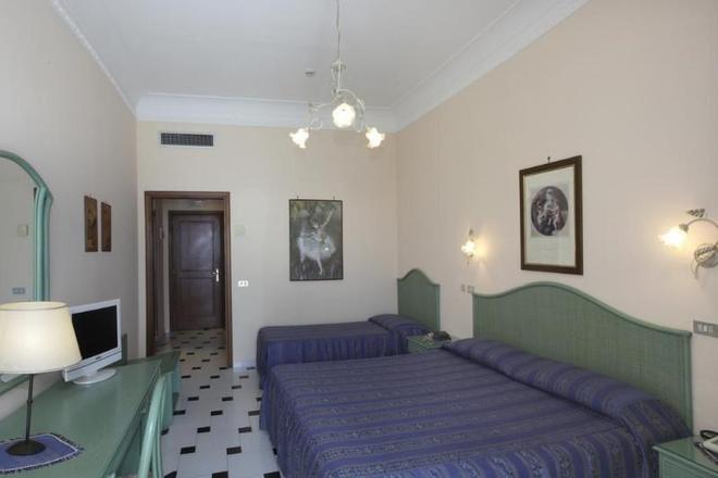 伊尔尼多酒店 - 阿马尔菲 - 睡房