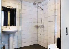 金狮卢浮宫酒店 - 巴黎 - 浴室