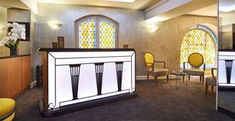 巴约讷艾驰奥纳 - 波尔多贝斯特韦斯特高级酒店 - 波尔多 - 柜台