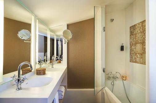 贝永艾谢奥纳贝斯特韦斯特尊贵酒店 - 波尔多 - 浴室