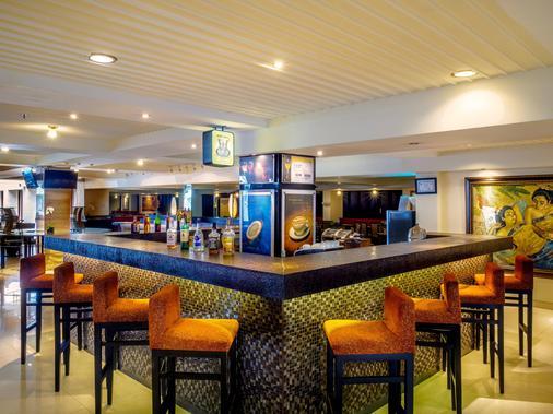 巴厘岛阿斯顿库塔酒店 - 库塔 - 酒吧