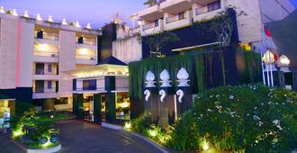 巴厘岛阿斯顿库塔酒店 - 库塔