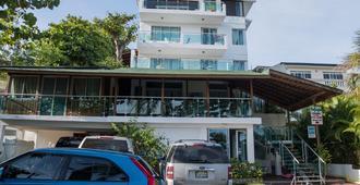 奈普图诺雷富吉酒店 - 博卡奇卡
