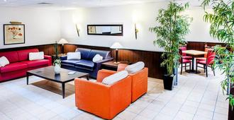 圣让公寓式酒店 - 卢尔德 - 休息厅