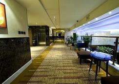 瓦哈皇宫酒店 - 利雅德 - 大厅