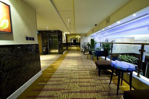 瓦哈宫酒店 - 利雅德 - 大厅
