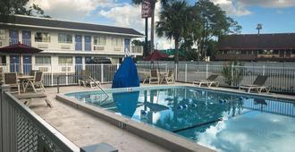 杰克逊维尔橙园6号汽车旅馆 - 杰克逊维尔 - 游泳池