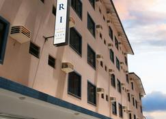 三德日城市酒店 - 巴拉奈里奥-坎布里乌 - 建筑