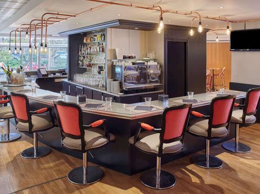 巴黎戴高乐机场美居酒店 - 鲁瓦西昂法兰西 - 酒吧
