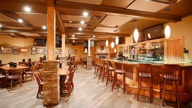 最佳西方Plus拉姆科塔酒店 - 苏福尔斯 - 酒吧